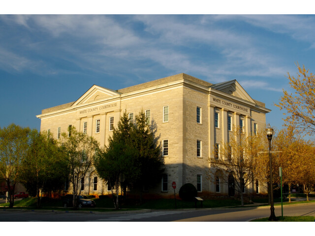 White-county-courthouse-tn2 image