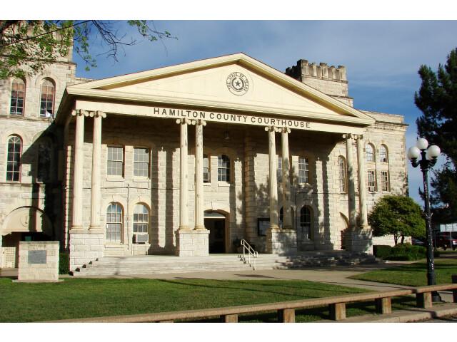 Hamilton-TX-CourtHouse image