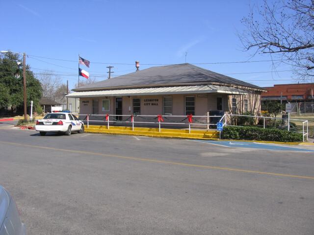 Lexington Texas City Hall 2005-01-02. image