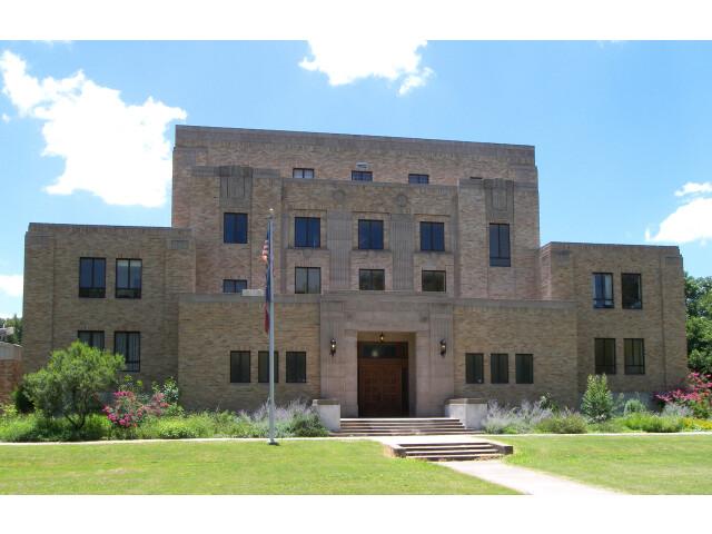 Menard county courthouse 2010 image
