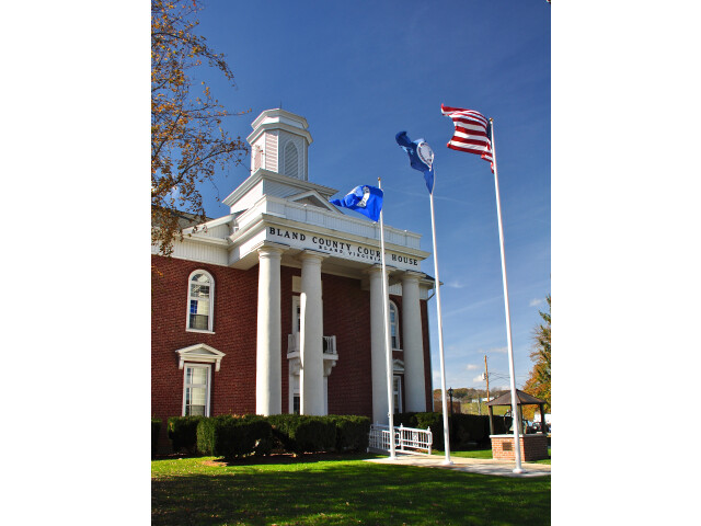 Bland County Courthouse image