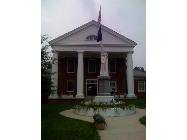 Highland County Courthouse image