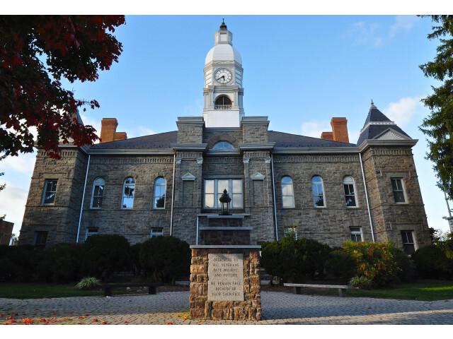 Pulaski County Courthouse image