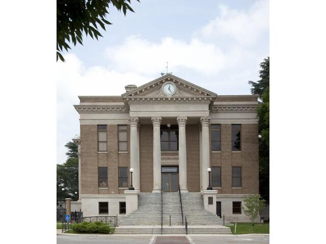 Limestone County Courthouse  Athens  Alabama 01 image