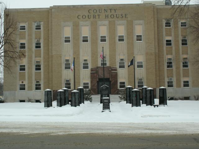 Floyd County  Iowa Courthose pic1 image