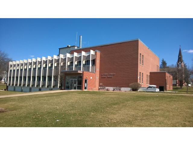 Guthrie County IA Courthouse image