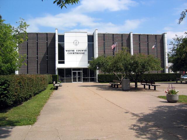 Wayne County IA Courthouse image