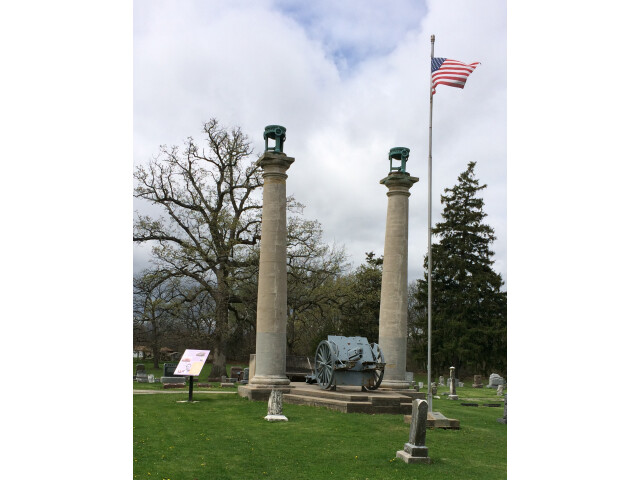 Courthouse columns at Oak Hill Cemetery image