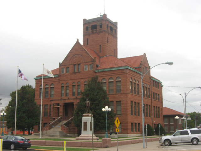 Warren County Courthouse in Monmouth image