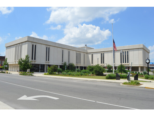 Delaware County Courthouse  Muncie image