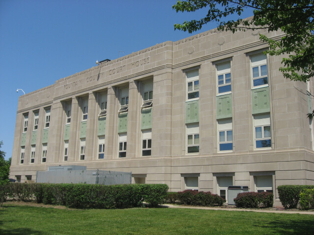 Fountain County Courthouse front  southern angle image