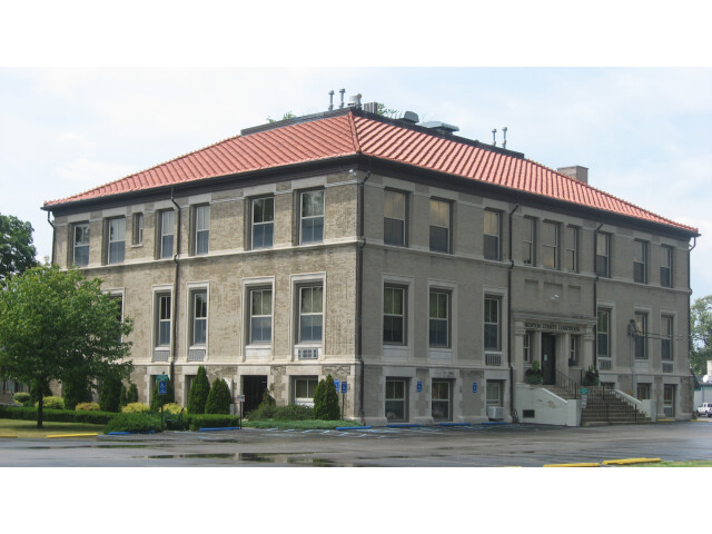 Newton County Courthouse in Kentland from southeast image