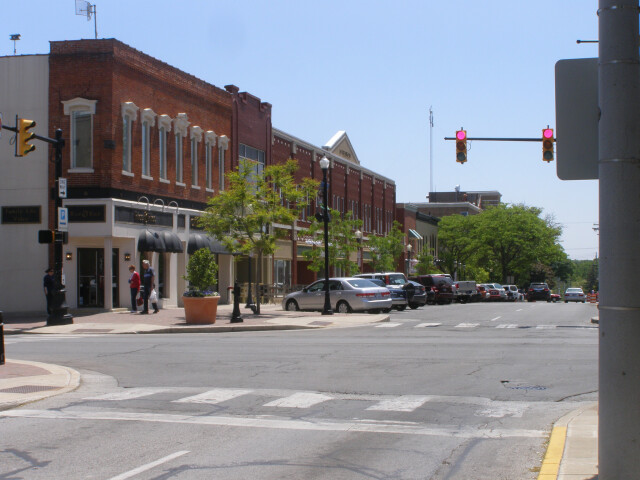 Franklin east of Courthouse'CLight' image