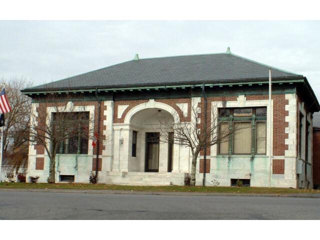 Harwich MA Town Hall image