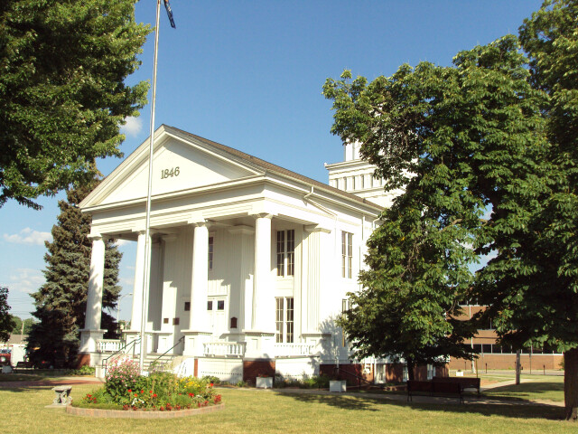 Lapeer County Courthouse image