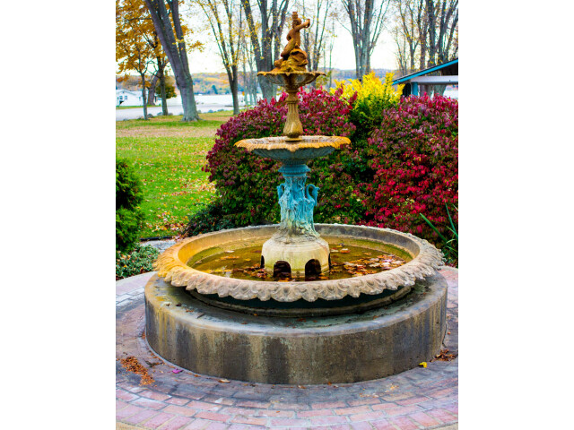 Manistee Courthouse Fountain image