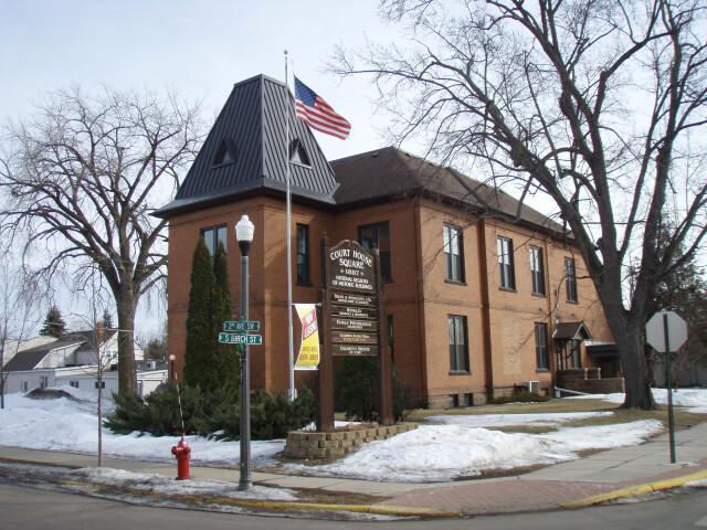 Isanti Co Courthouse 4 image