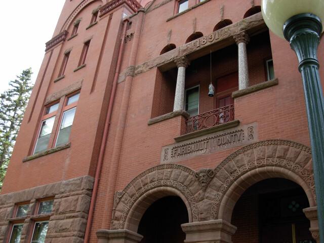 CourthouseFaribaultCountyMinnesota2007May image