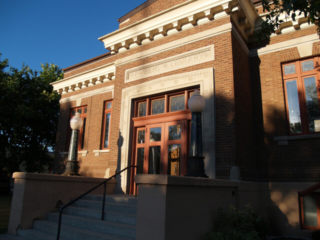Carnegie library thief river falls image