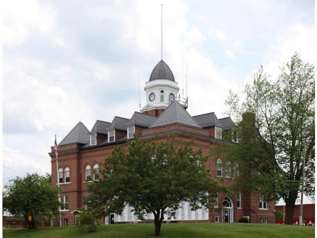 Worth County Courthouse  Grant City  Missouri - retouched image