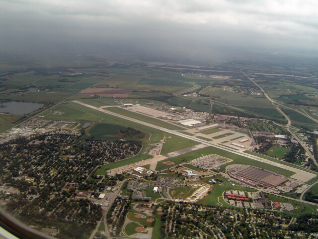 Offutt AFB at 1000 ft image