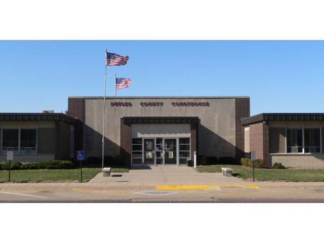 Butler County  Nebraska courthouse from E 2 image
