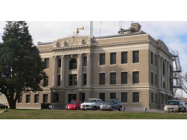 Richardson County  Nebraska courthouse from NE image