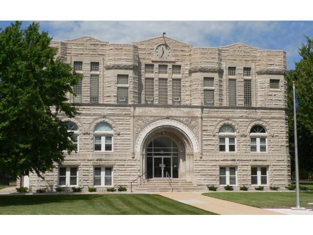 Thayer County  Nebraska courthouse from E 1 image