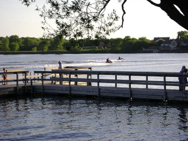 Fountain Lake by Edgewater Park - panoramio image