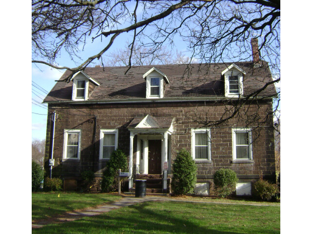 Rea House image