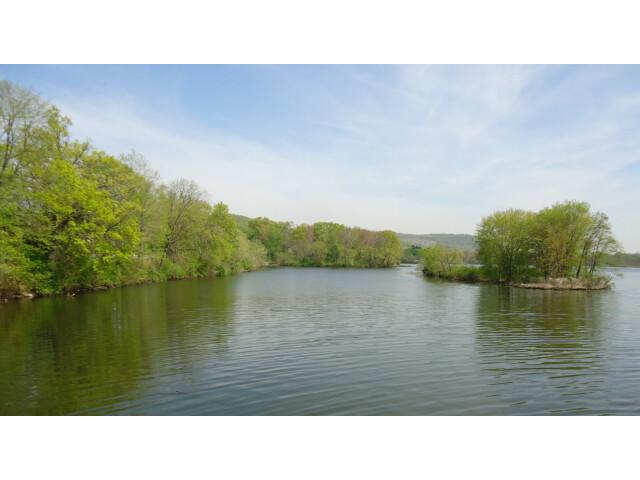 Pompton Lake in Pompton Lakes NJ island image