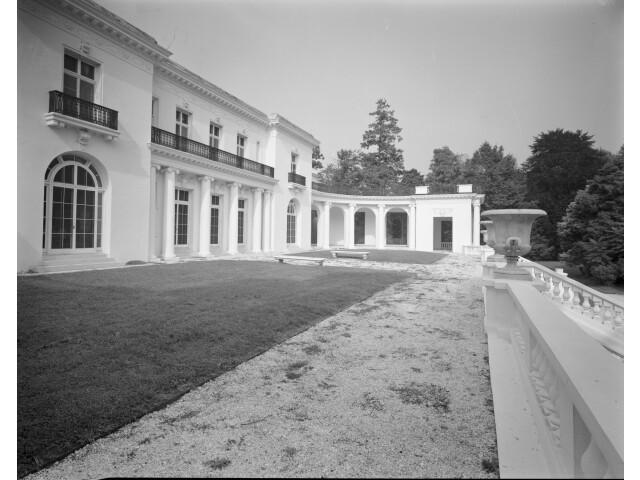 Murray Guggenheim House image