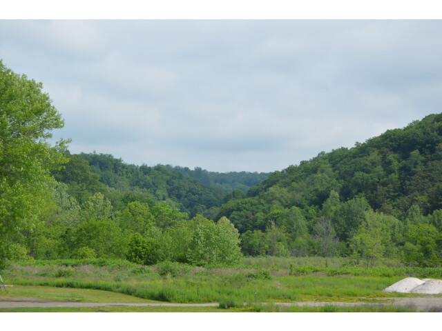 Wooded hills west of Rayland image