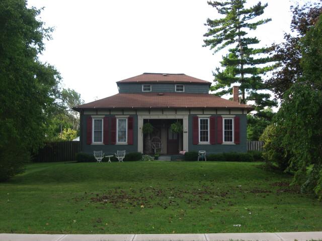 Monitor House image