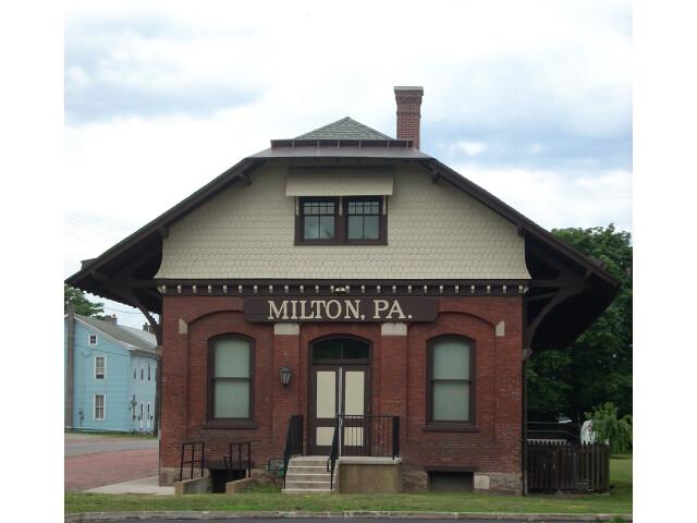 Milton  PA RR image