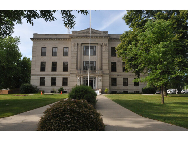 DEUEL COUNTY COURTHOUSE  CLEAR LAKE  SD image