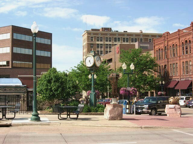 Sioux Falls image