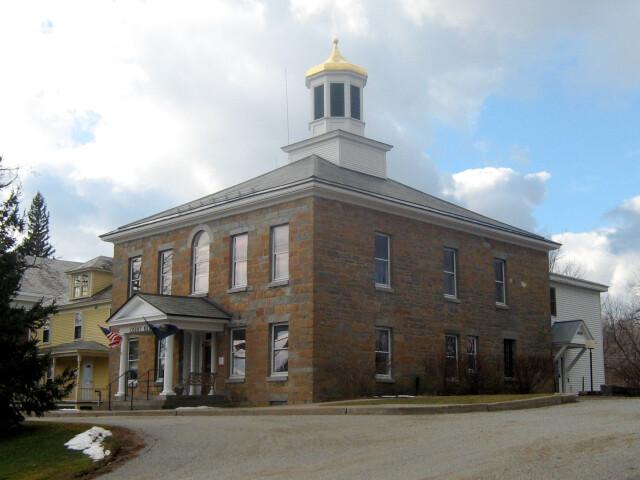 Grand Isle County Courthouse 01 image