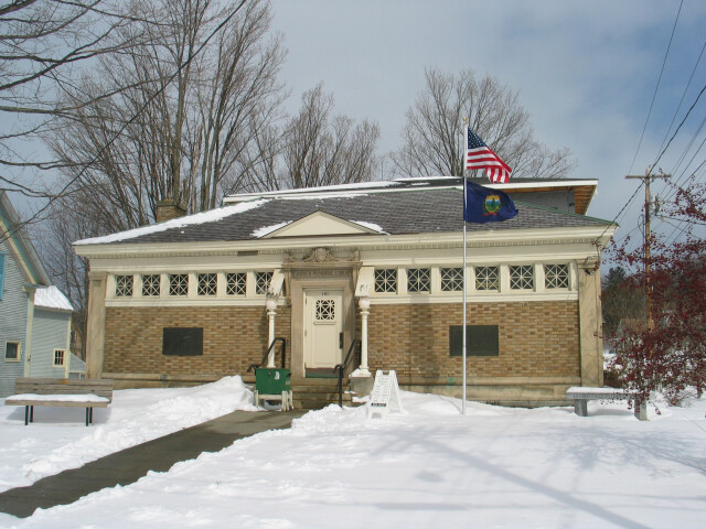 2004 library HydePark Vermont 113505564 image