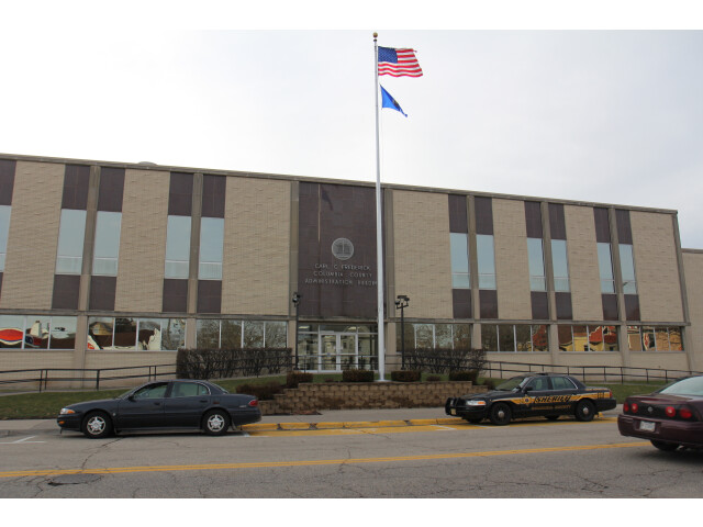 Columbia County WI courthouse image