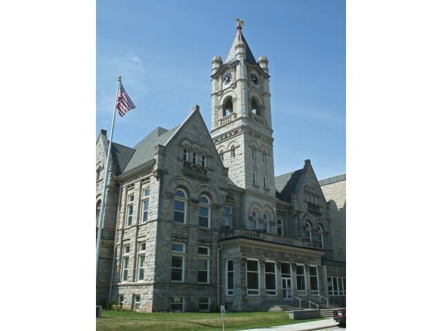 Old-Ozaukee-Courthouse Jul-09 image