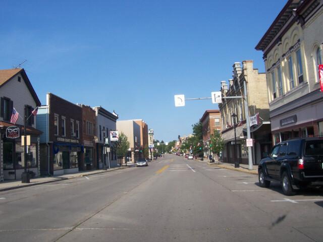 PlymouthWisconsinDowntown image