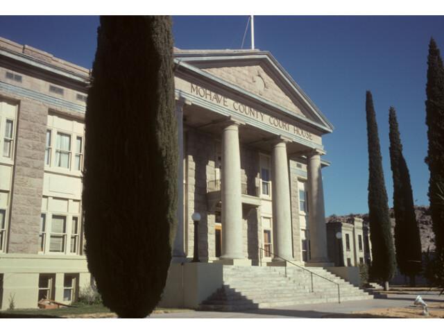 Kingman courthouse image