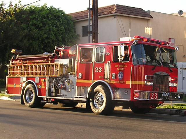 Los angeles county fd engine 23 image