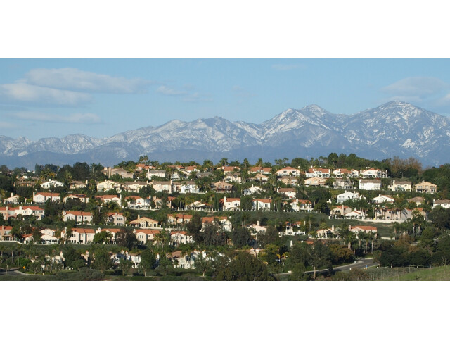 Rows of tract homes in Laguna Niguel image