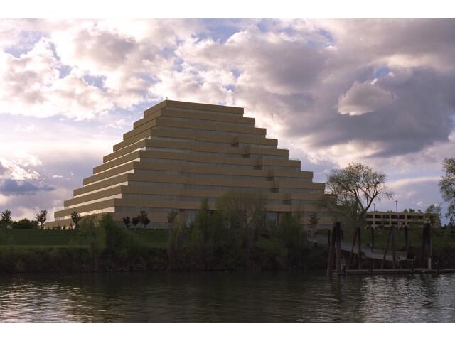 Sacramento-river-bank-pyramid-20.4 image
