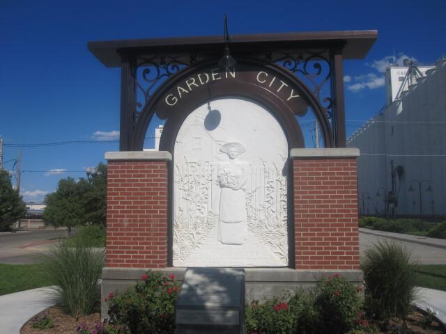 Garden City  KS  welcome sign IMG 5933 image