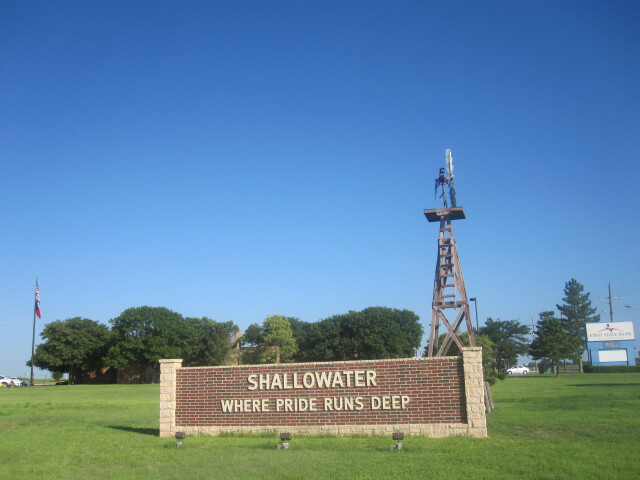 Shallowater  TX  welcome sign IMG 4757 image