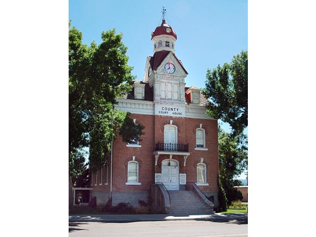 Old Beaver County Ut courthouse image