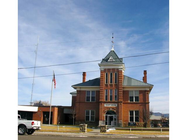 Garfield County  Utah courthouse image
